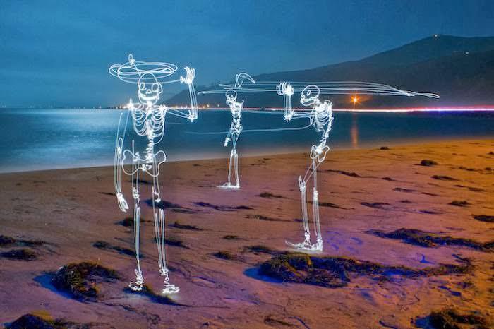 darren-pearson-pintura-luminosa-fotografia-longa-exposicao-skeletons-esqueletos-desafio-criativo (1)