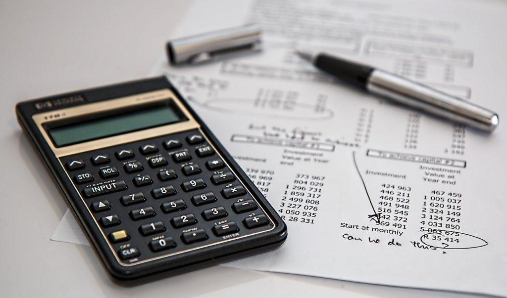 Calculadora e registro de balanço de contas