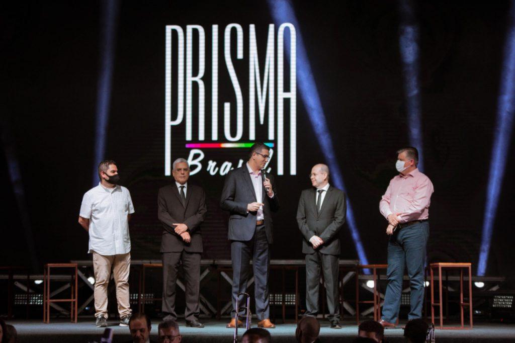 No palco do programa Tuiu Costa, Willians Costa Jr, Martins Kuhn, Eli Prates e Cláudio Knoener ( da esquerda para a direita).