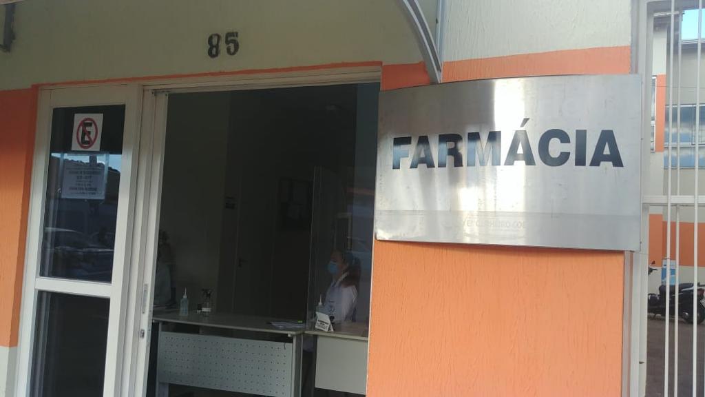 Farmácia de Engenheiro Coelho recebe alunos para estágio.