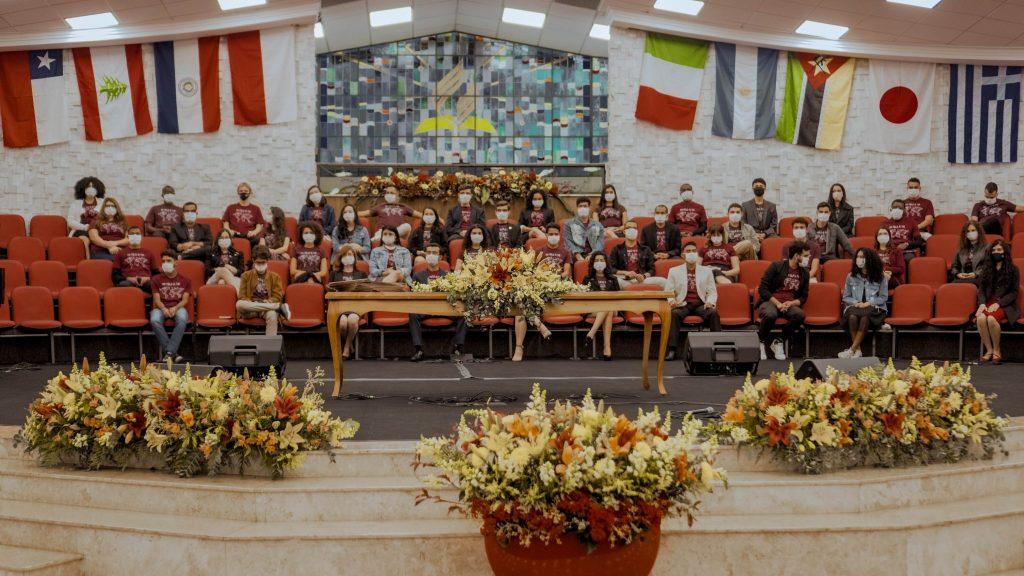 Formandos da Escola de Missão na Igreja do UNASP