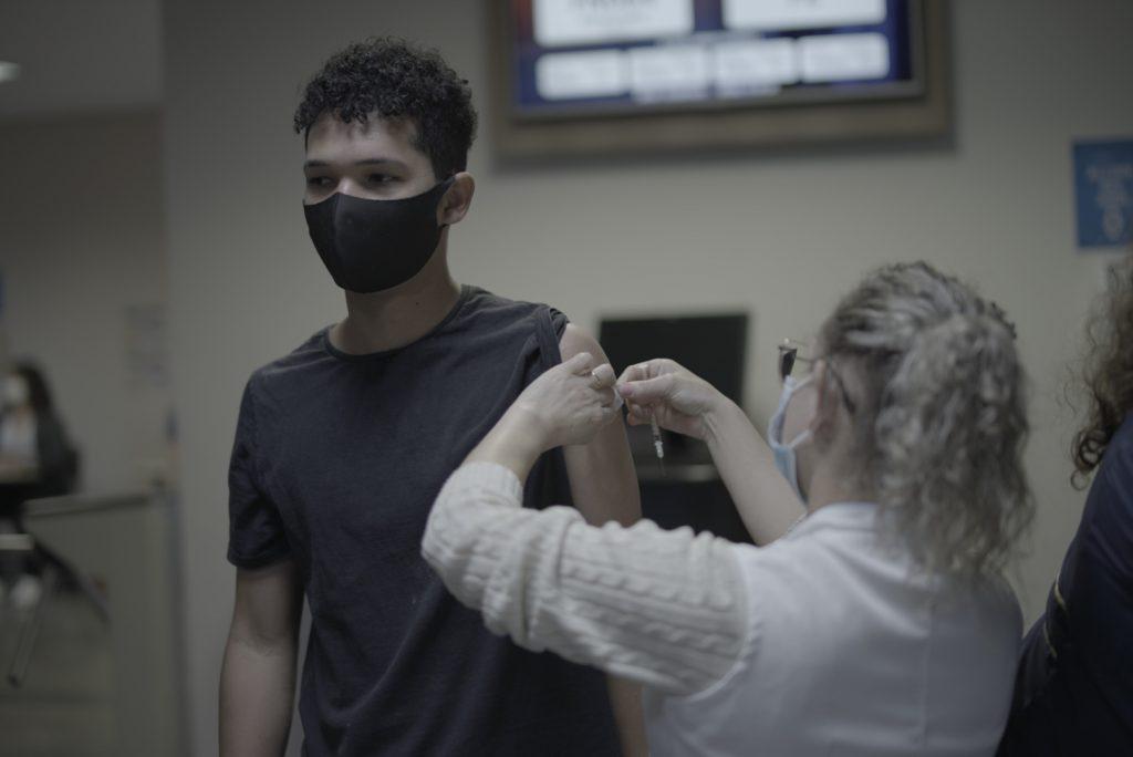 Vacinação atingiu alunos internos do UNASP.