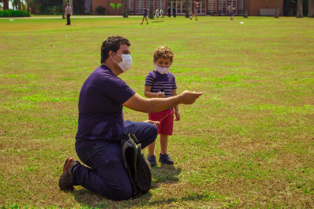 Dia dos Pais deu espaço para brincadeiras entre as famílias.